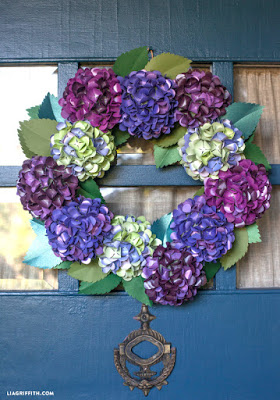 Paper hydrangea wreath crafterholic click here to learn how to make this remarkably realistic wreath of paper hydrangeas my favourite flower mightylinksfo
