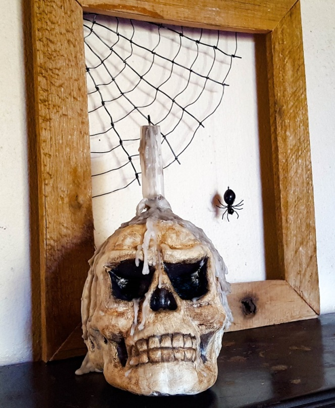 halloween-candle-skull