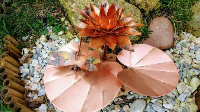 Deshca designs lilypad