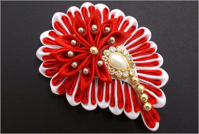 kanzashi-flower-hair-accessory