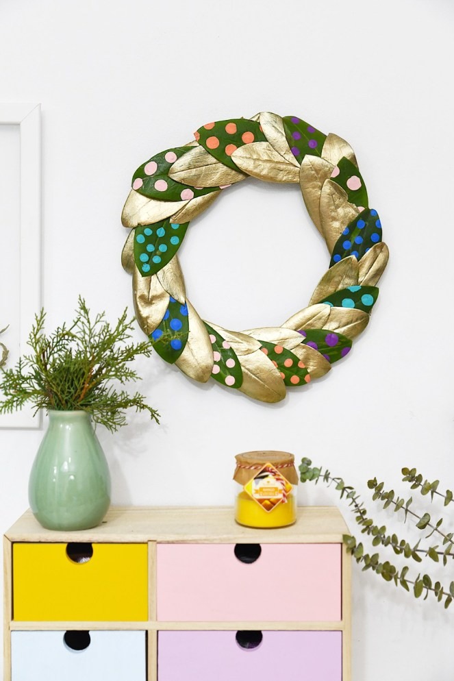 Dotted-leaves-wreath