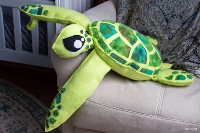 plush-sea-turtle-pattern